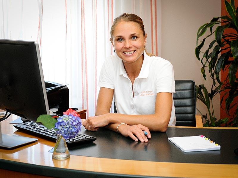 Dr. Lella Breisach